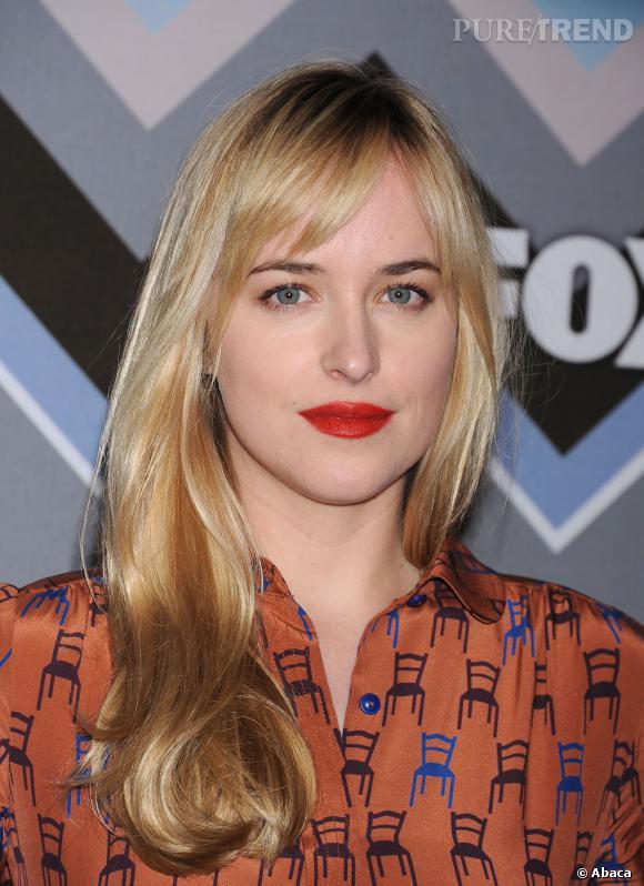 Dakota Johnson sait mettre en valeur ses jolies lèvres pulpeuses...