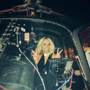 Britney Spears est arrivée en hélicoptère.