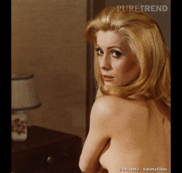 """Catherine Deneuve, sensuelle dans """"Belle de jour"""", en 1967."""