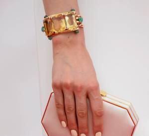 Le bracelet Neil Lane de Taylor Schilling.
