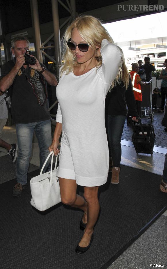 Pamela Anderson, bimbo forever.