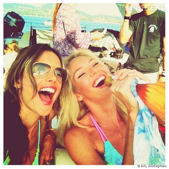 Candice Swanepoel et Alessandra Ambrosio, fan de champagne pendant leur shooting à Saint Tropez.