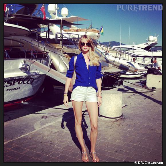 Lindsay Ellingson, toute en jambes à Saint Tropez.