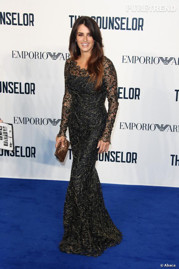 """Penelope Cruz en robe Temperley London pour la première de """"Counselor"""" à Londres."""