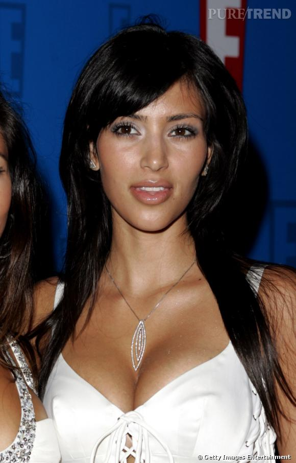 2005, Kim Kardashian ne se maquille pas encore trop, pourtant, à 25 ans, elle pourrait !