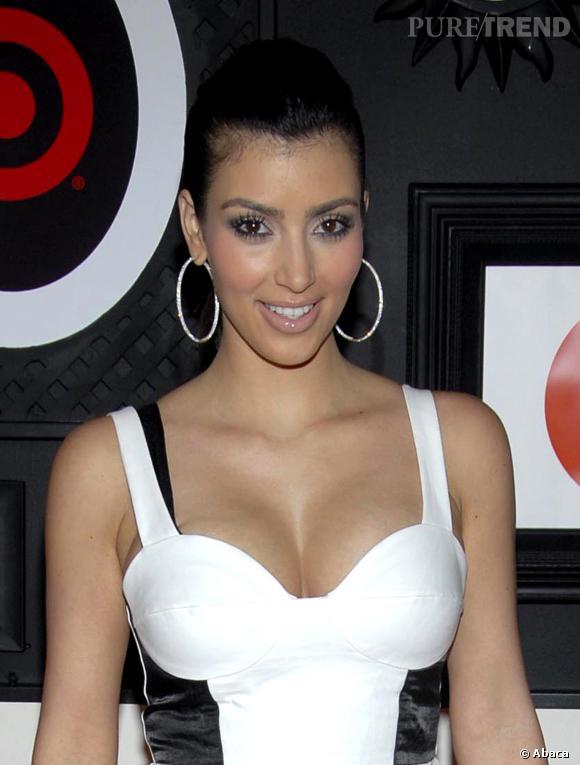 Kim Kardashian a toujours eu des beauty looks vulgaire, c'est sa marque de fabrique.