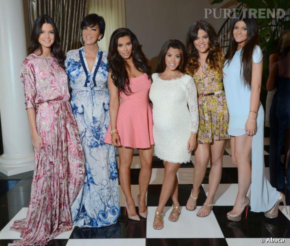 Kris Jenner et ses 5 filles, elle a aussi un fils, Rob.
