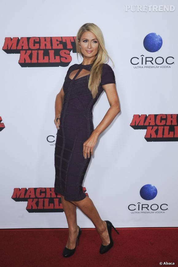 """Paris Hilton ne loupe jamais une occasion de poser sur les tapis rouges, comme lors de l'avant-première de """"Machete Kills""""."""
