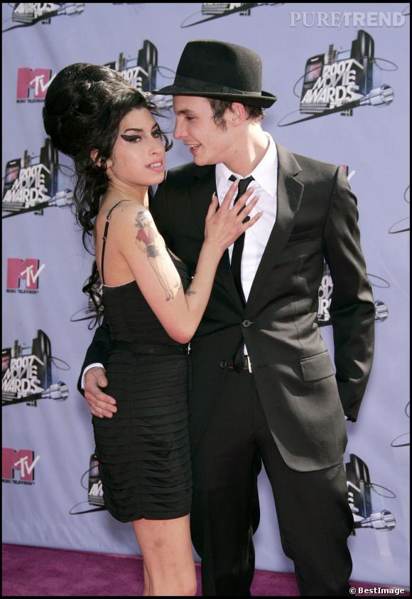 Un homme chercherait à vendre des photos X d'Amy Winehouse.