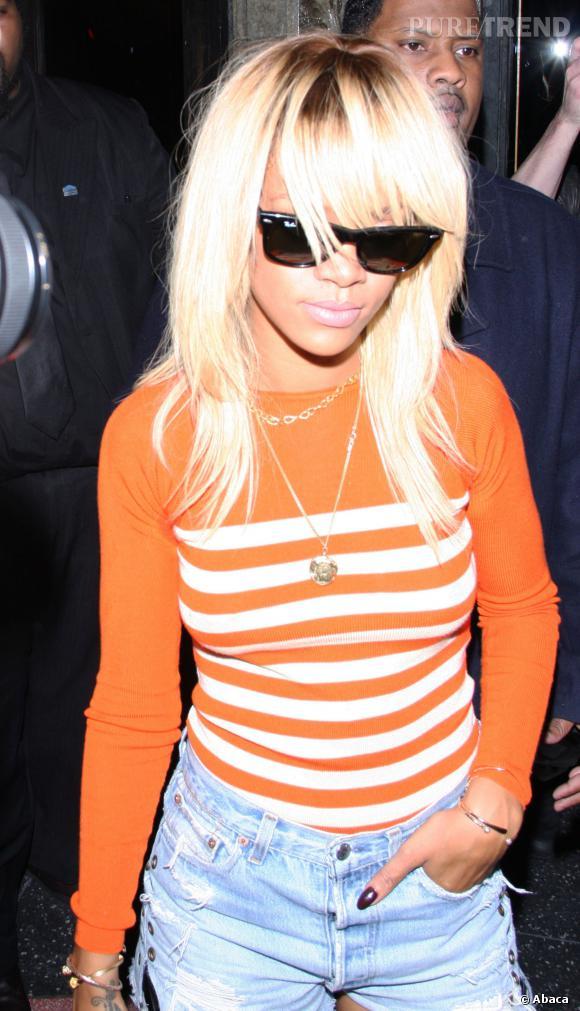 Rihanna a été blonde en 2012, mais sur cheveux longs.