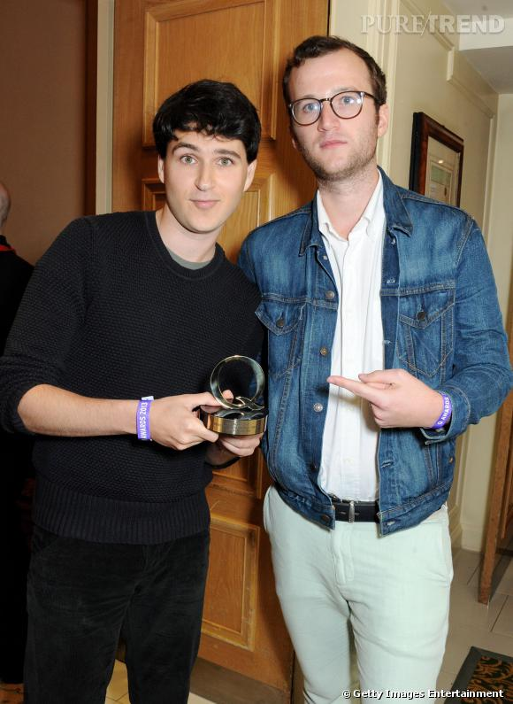Ezra Koenig et Chris Baio des Vampire Weekend viennent récupérer leur prix du meilleur groupe au monde présenté par Planet Rock.