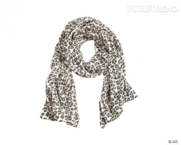 Shopping tendance animal print : foulard H&M, 17,95 €