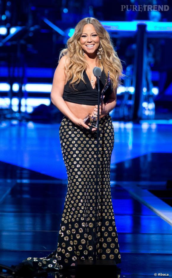Mariah Carey modifie la version podium de la jupe Alexander McQueen et s'offre un joli flop cette semaine.