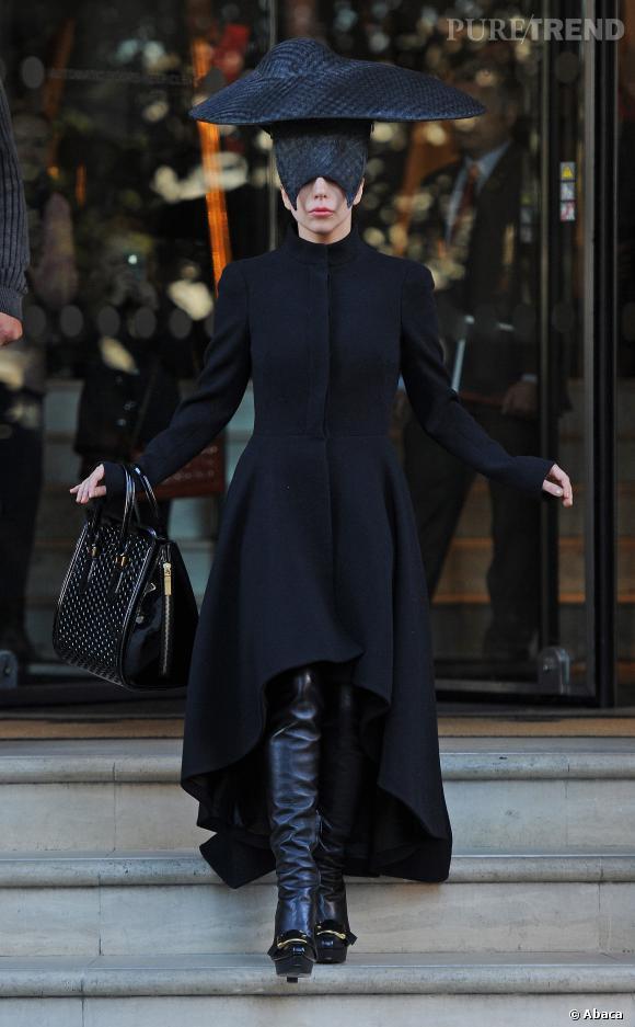 Lady Gaga, véritable veuve noire.