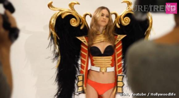 L'ange militaire est Bahti Prinsloo, la fiancée d'Adam Levine.