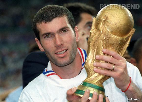 Zinédine Zidane, du temps où il avait des cheveux.