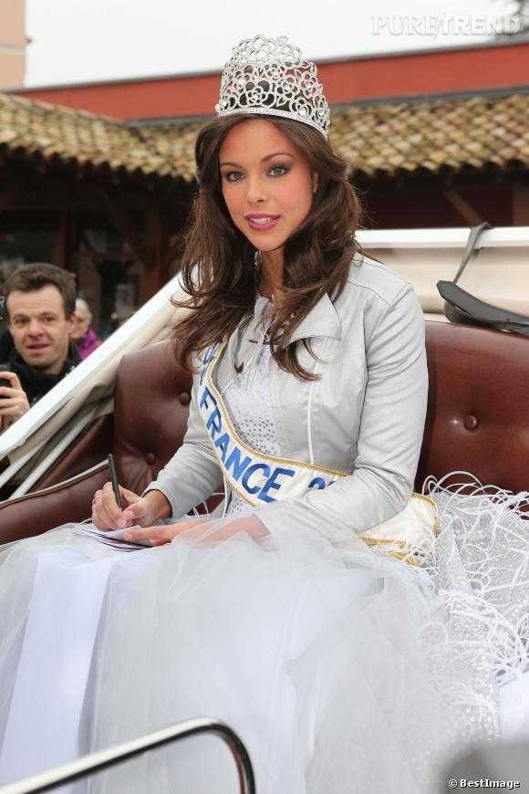 Une des premières apparition de Marine Lorphelin en tant que Miss France... Elle devra déjà bientôt laisser sa couronne à une nouvelle miss.