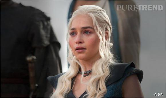 """Emilia Clarke est passée de l'ombre à la lumière grâce à son rôle de Daenerys Targaryen dans """"Game of Thrones"""" : elle jouera Sarah Connor dans le prochain """"Terminator : Genesis""""."""