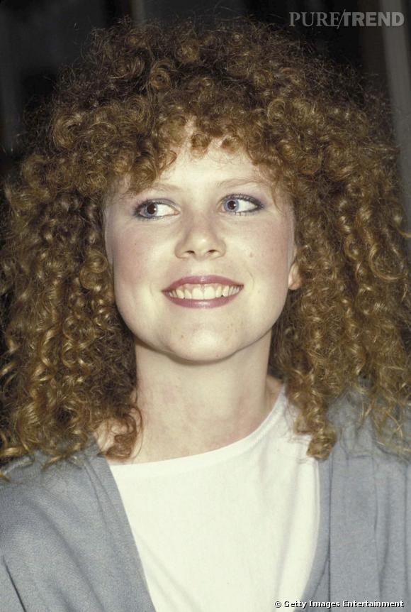 Nicole Kidman est à peine reconnaissable en 1983 ! Avec ses cheveux foncés et bouclés, elle paraît si innocente...