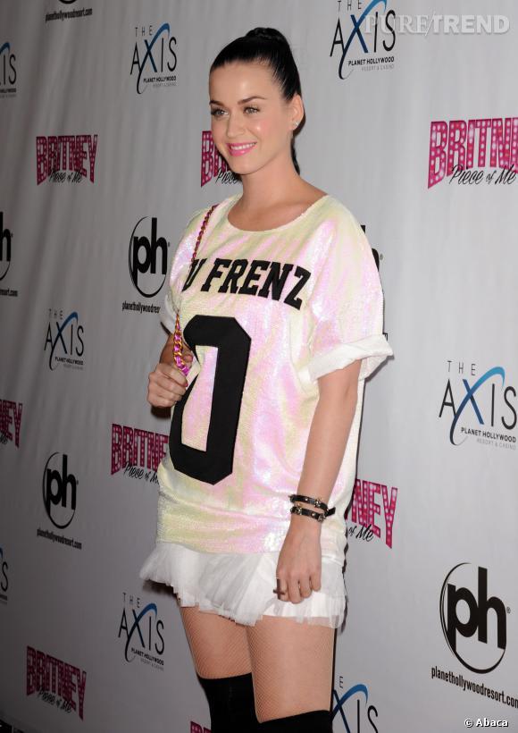 Katy Perry, mauvaise élève mode lors du premier show de Britney Spears à Las Vegas.