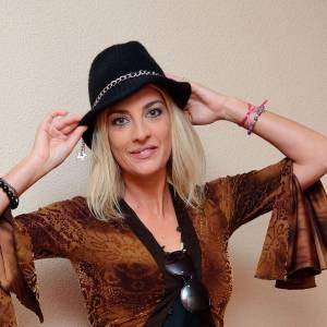 Eve Angeli l'a avoué sur Twitter, elle adorerait faire un duo avec Stromae. Reste à voir si le chanteur entendra sa requête.