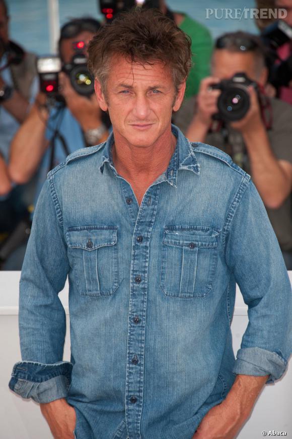 Sean Penn et sa chemise en denim, à Cannes (2011).