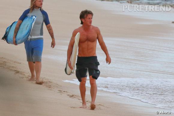 Sean Penn, toujours sculptural à 53 ans.