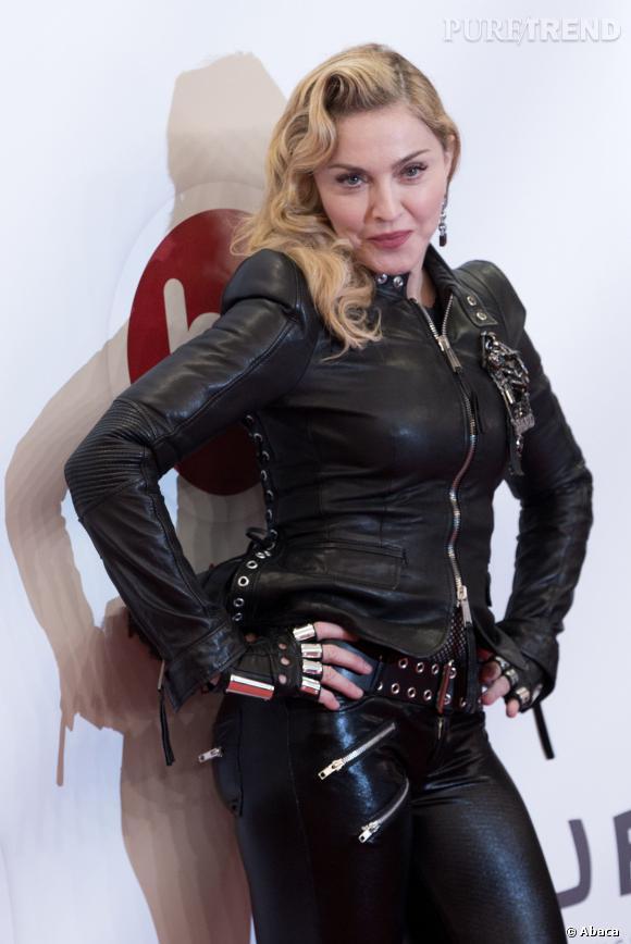 Madonna minaude pour mieux attirer les toy boys.