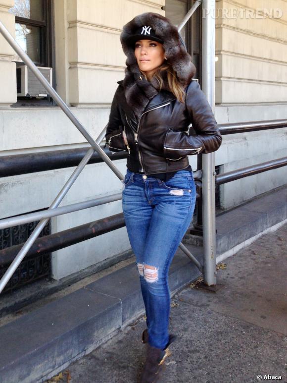 Jennifer Lopez et son look de diva du ghetto. Chaud devant !