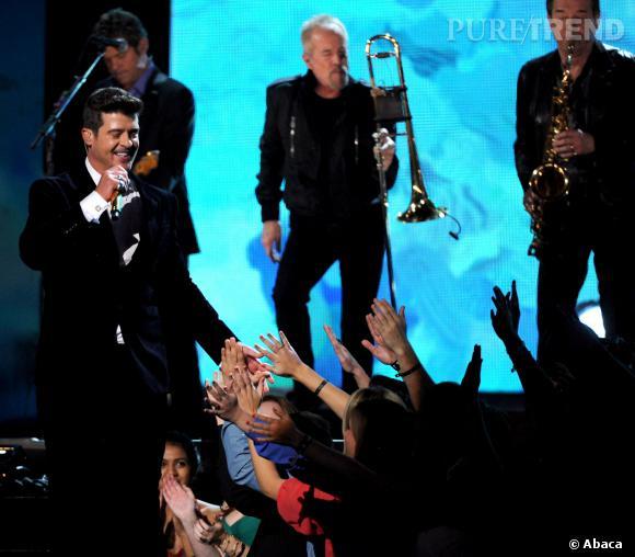 Robin Thicke sur scène au Grammy Awards 2014.
