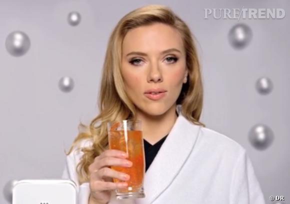 Scarlett Johannsson fait la promotion des sodas faits-maison SodaStream.