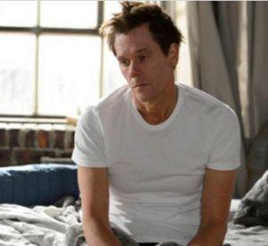Enfin un premier rôle complexe pour Kevin Bacon, qui joue un personnage fragile et sombre.