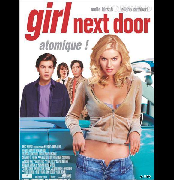 """Dans """"Girl Next Door"""", Elisha Cuthbert joue les bimbos blondes et n'a aucun mal à séduire ses voisins ados."""