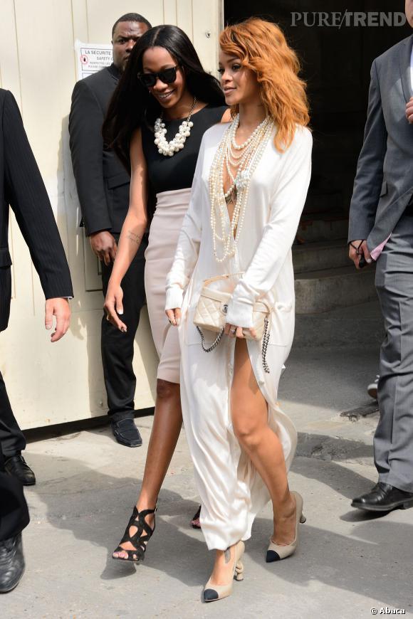 Robe Blanche Porte RihannaPas Même Gorge De Soutien Quand Une Elle qSMUzVGp