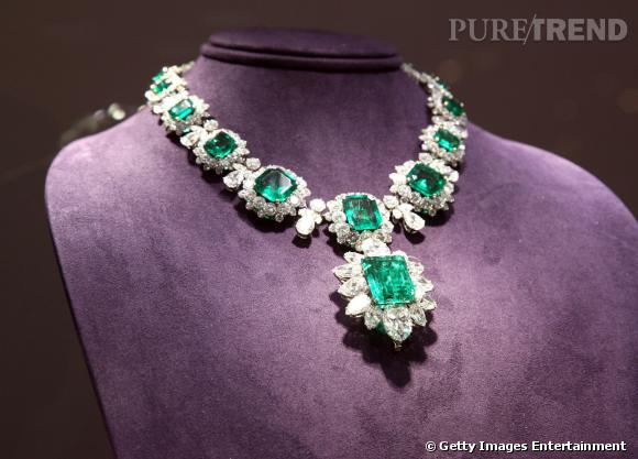 Le collier Bulgari en émeraudes et diamants.