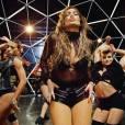 Jennifer Lopez dégaine son short le plus court.