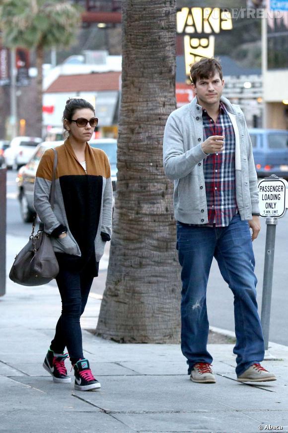 """Mila Kunis s'invitera dans un épisode de """"Mon Oncle Charlie"""" aux côtés d'Ashton Kutcher !"""