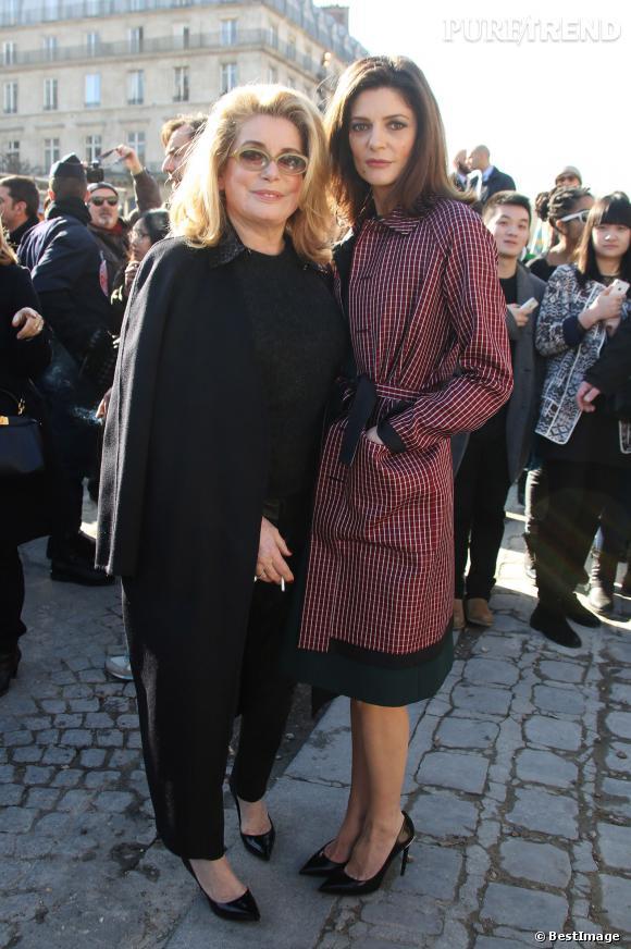 Catherine Deneuve et sa fille Chiara Mastroiani, duo mère-fille très chic pour Louis Vuitton.