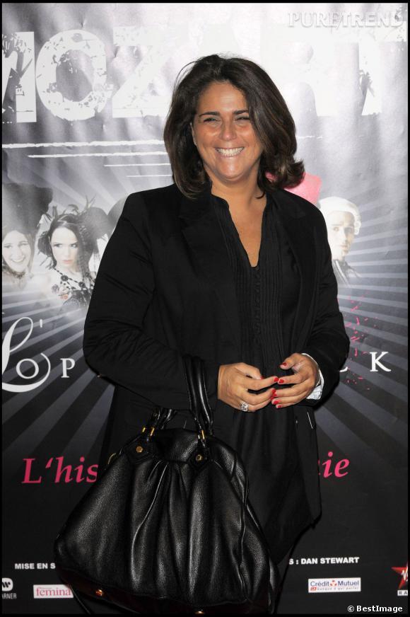"""Valérie Benaim, total look noir pour """"L'Opéra Rock"""", en 2009."""