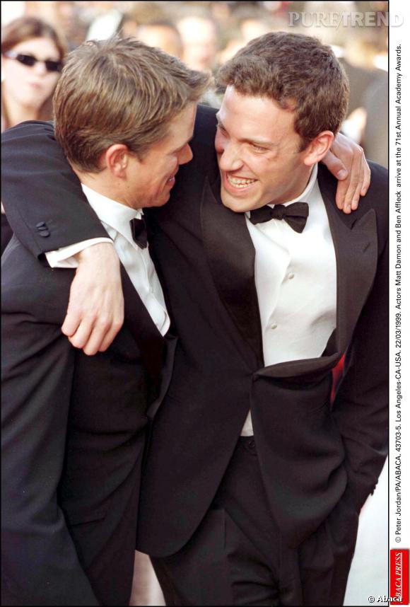 Matt Damon et son ami d'enfance Ben Affleck à la 71ème cérémonie des Academy Awards en 1999.