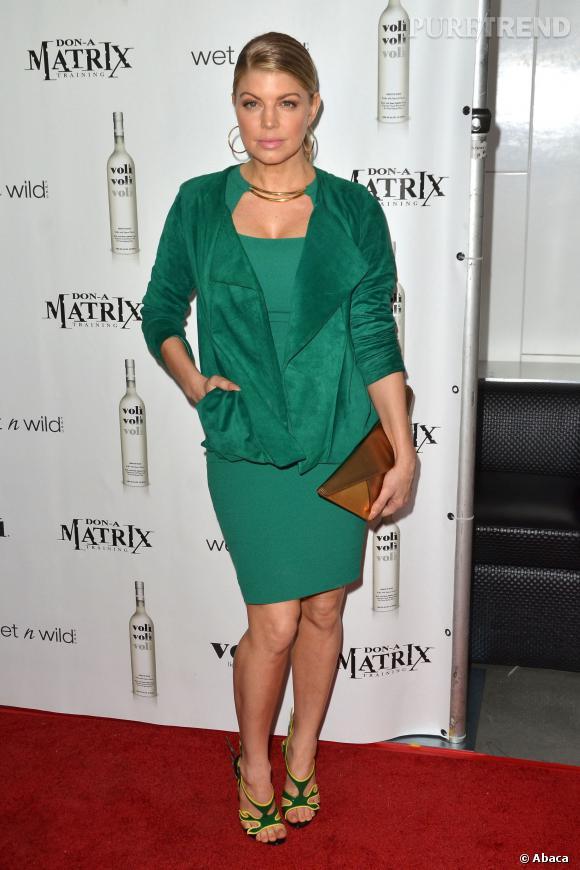 Fergie en total look vert en 2012.