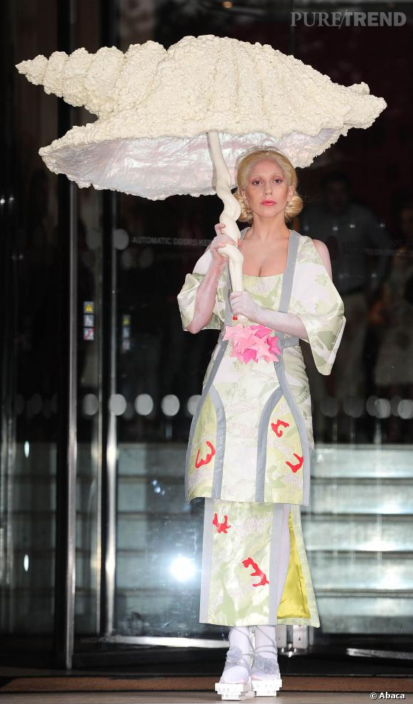 Lady Gaga version geisha en 2013.