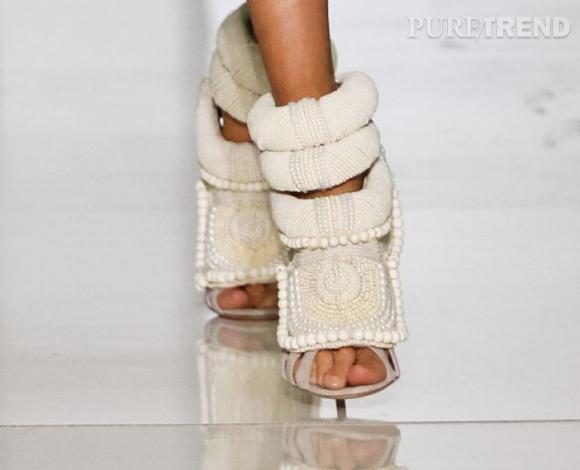Les sandales Kanye West en collaboration avec Giuseppe Zanotti pour le défilé Printemps-Été 2012.