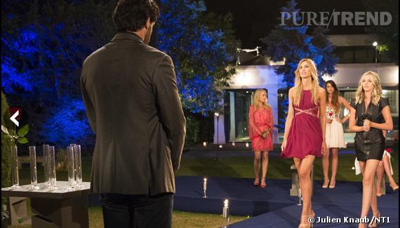 Caroline s'avance pour connaitre le choix de Paul, mais dans sa tête la belle est déjà partie.