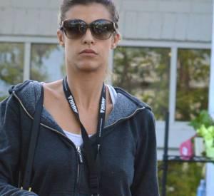 Elisabetta Canalis n'a pas l'air très heureuse de se faire surprendre le jour des courses à LA, le 26 mars 2014.