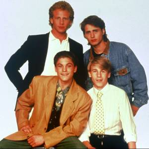 Ian Ziering, Jason Priestley, Brian Austin Green et Douglas Emerson.
