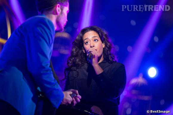 Amel Bent et Emmanuel Moire chante en duo pour l'émission Ce soir on chante les tubes, en décembre 2013.