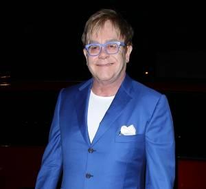"""Elton John va enfin dire """"oui"""" à David Furnish, son compagnon depuis près de 20 ans."""