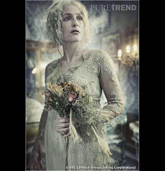 "Gillian Anderson, méconnaissable dans ""Great Expetation""."