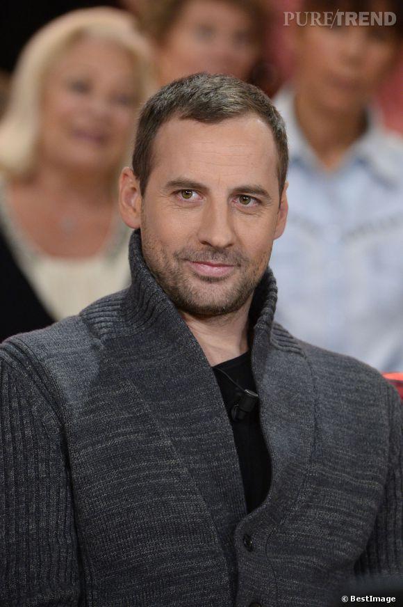 Fred Testot lors de l'enregistrement d'une émission de Vivement dimanche le 22 janvier 2014.